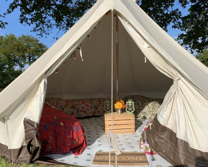 book bell tent campsite